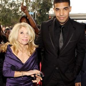 Amanda Bynes Goes Too ... Drake And His Mom 2013