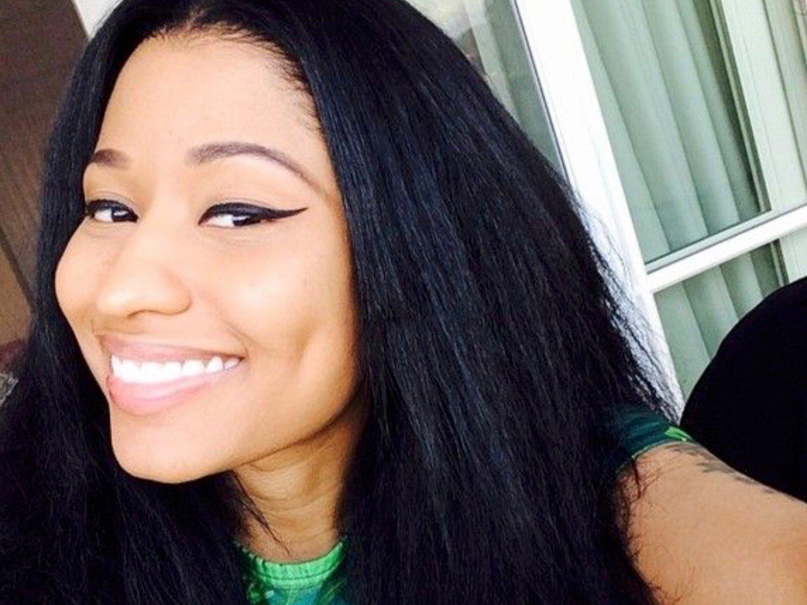Look: Nicki Minaj Unloads 3 Thick As Ever New Pics