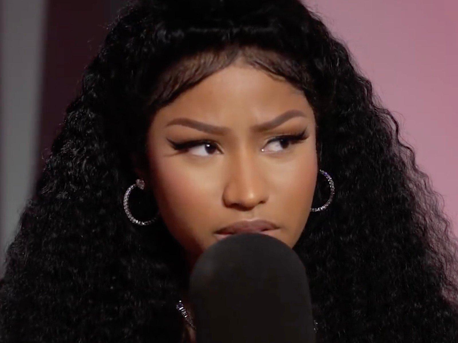 Nicki Minaj Destroys Female Fan After Petty Body Shaming ...