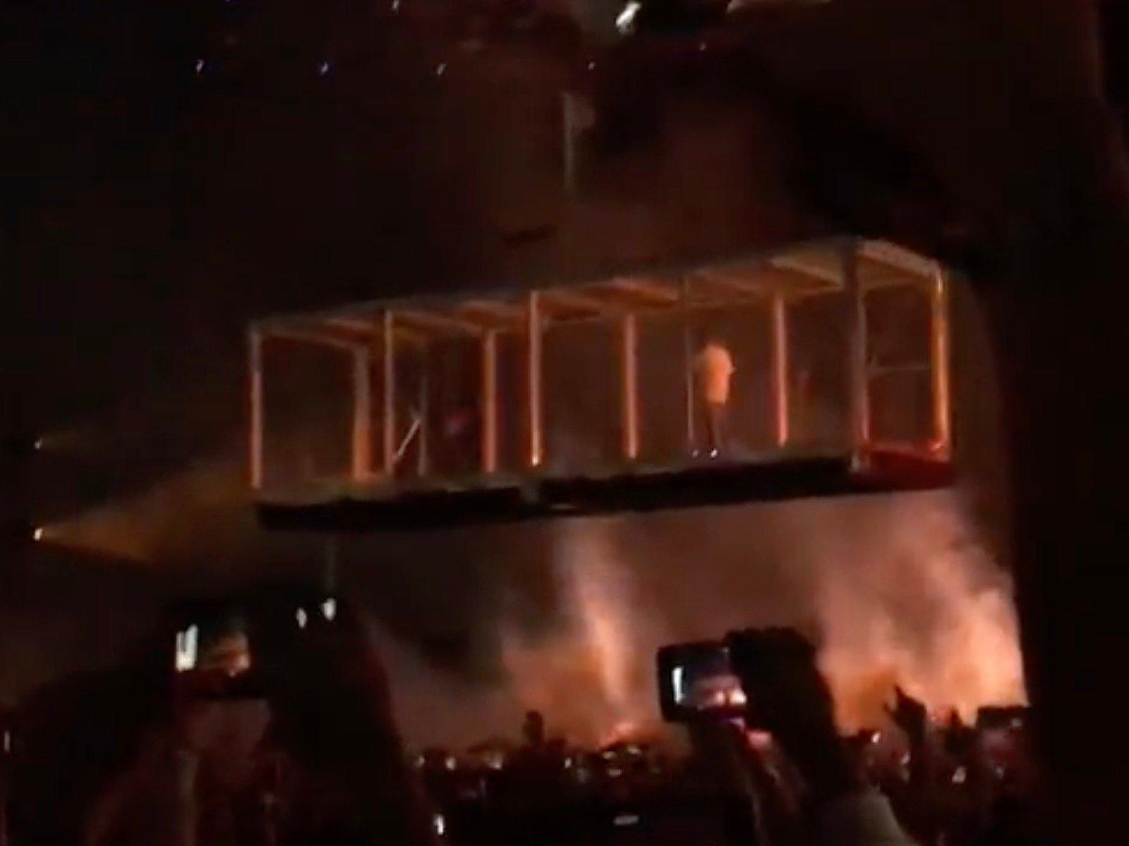 Kid Cudi Kanye West Camp Flog Gnaw