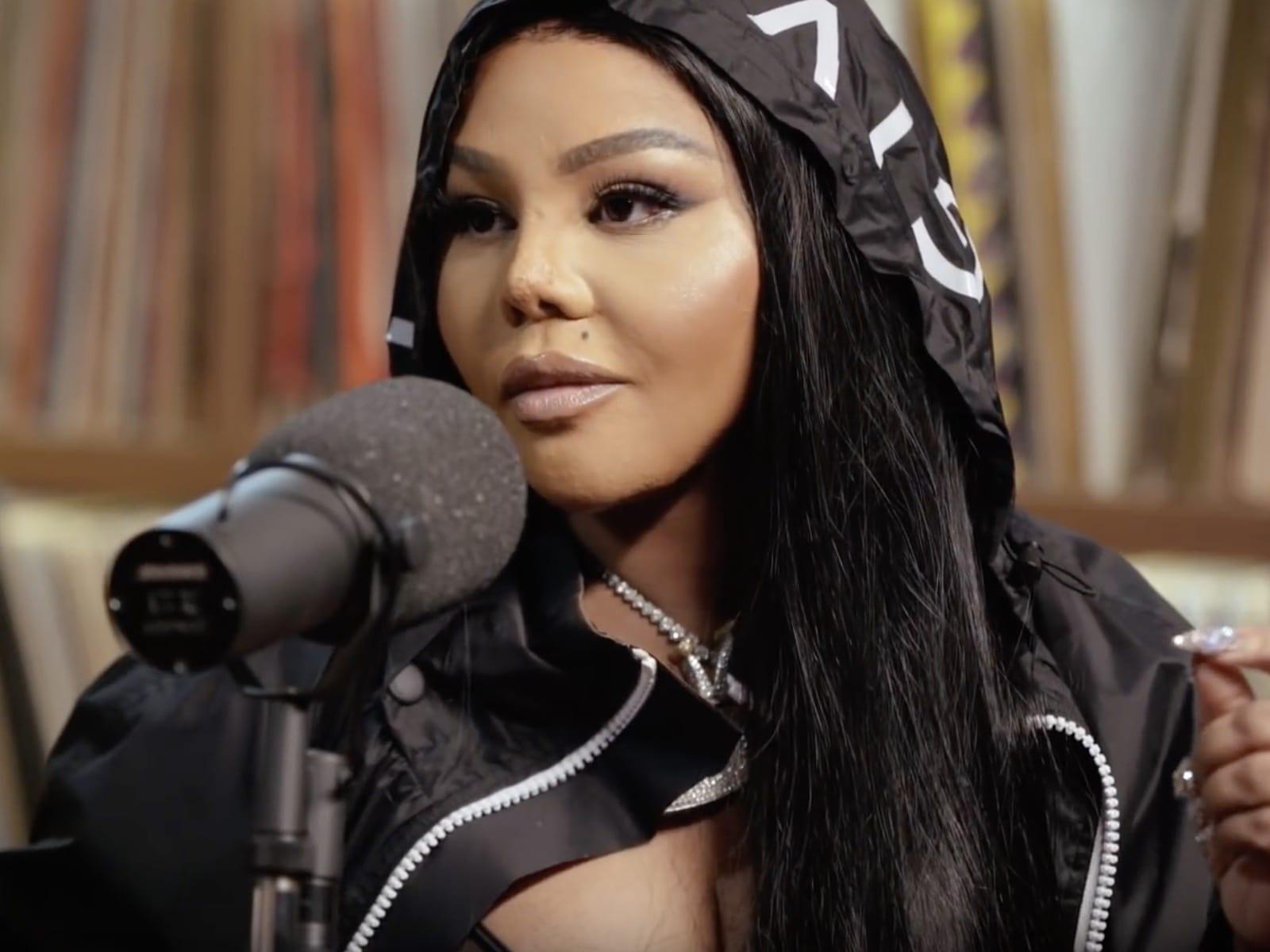 Lil' Kim Video
