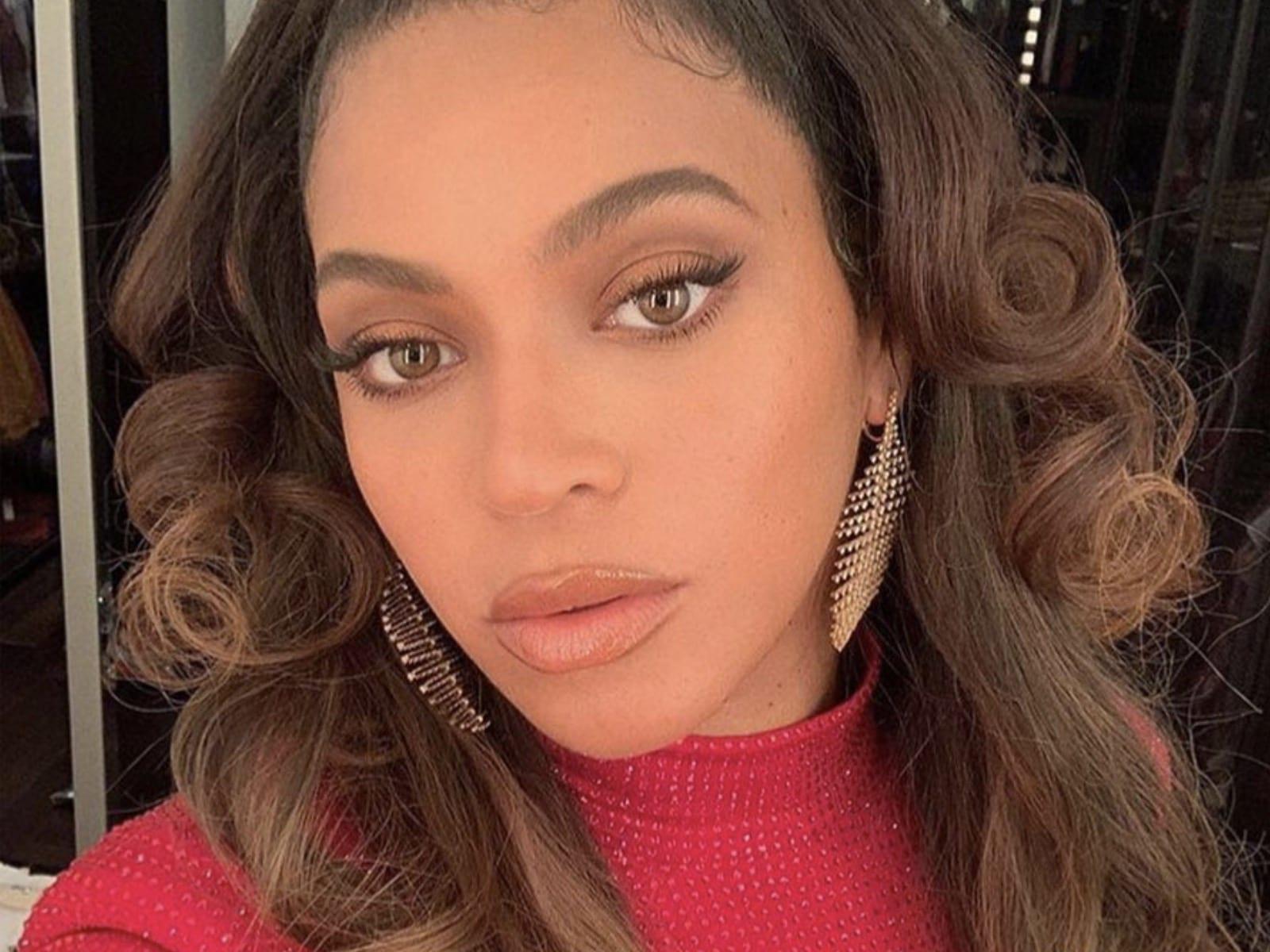 Beyoncé Selfie 11-25-19