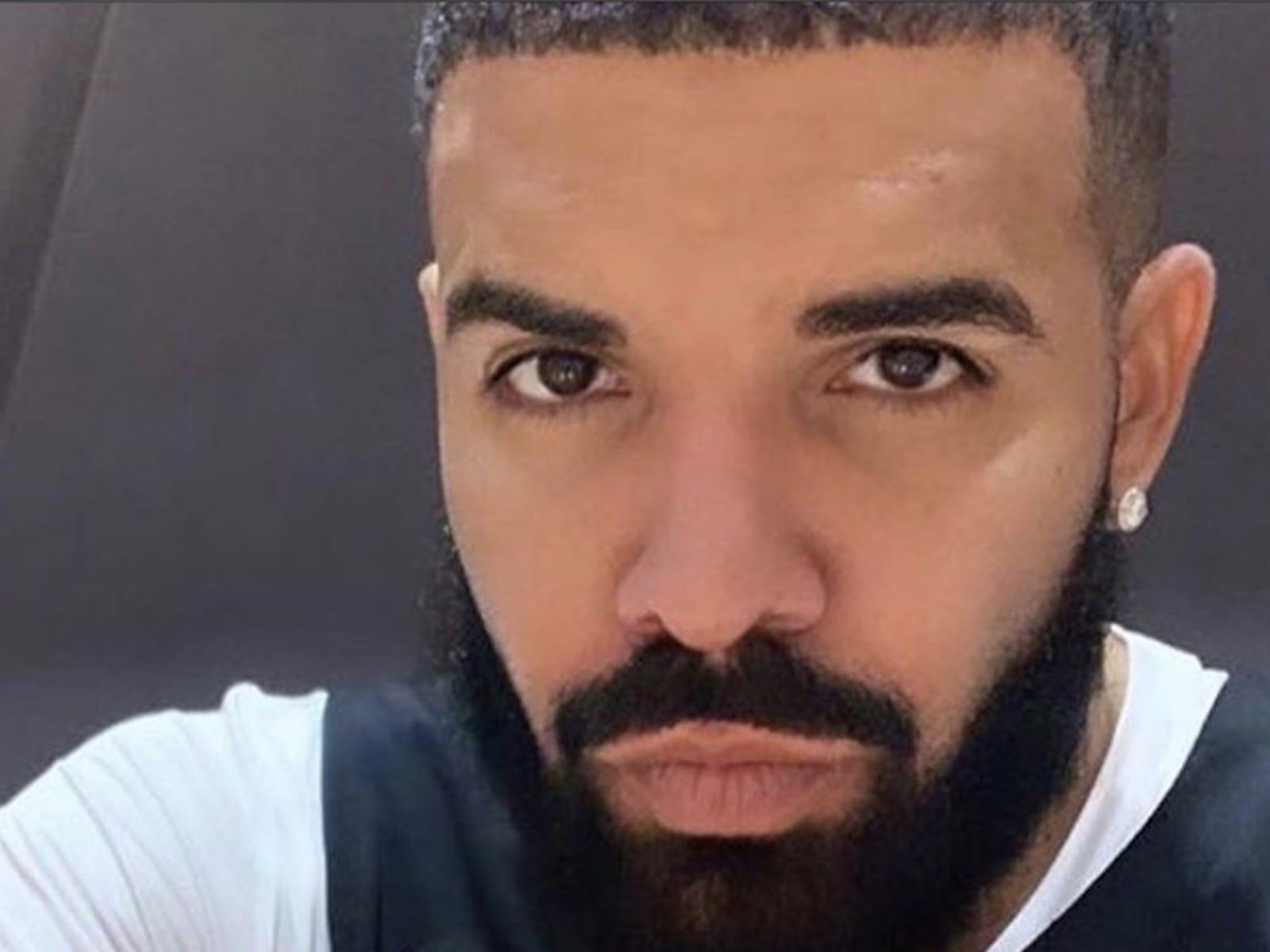 Drake Selfie Clip