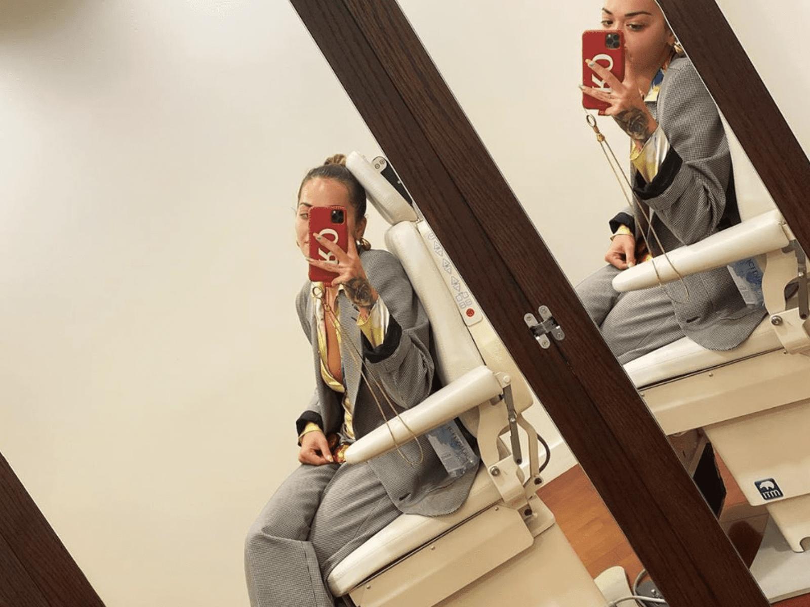 Rita Ora Mirror Selife Pic