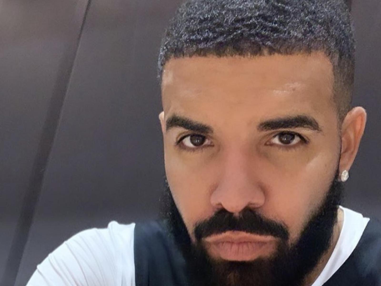 Drake Selfie Pic