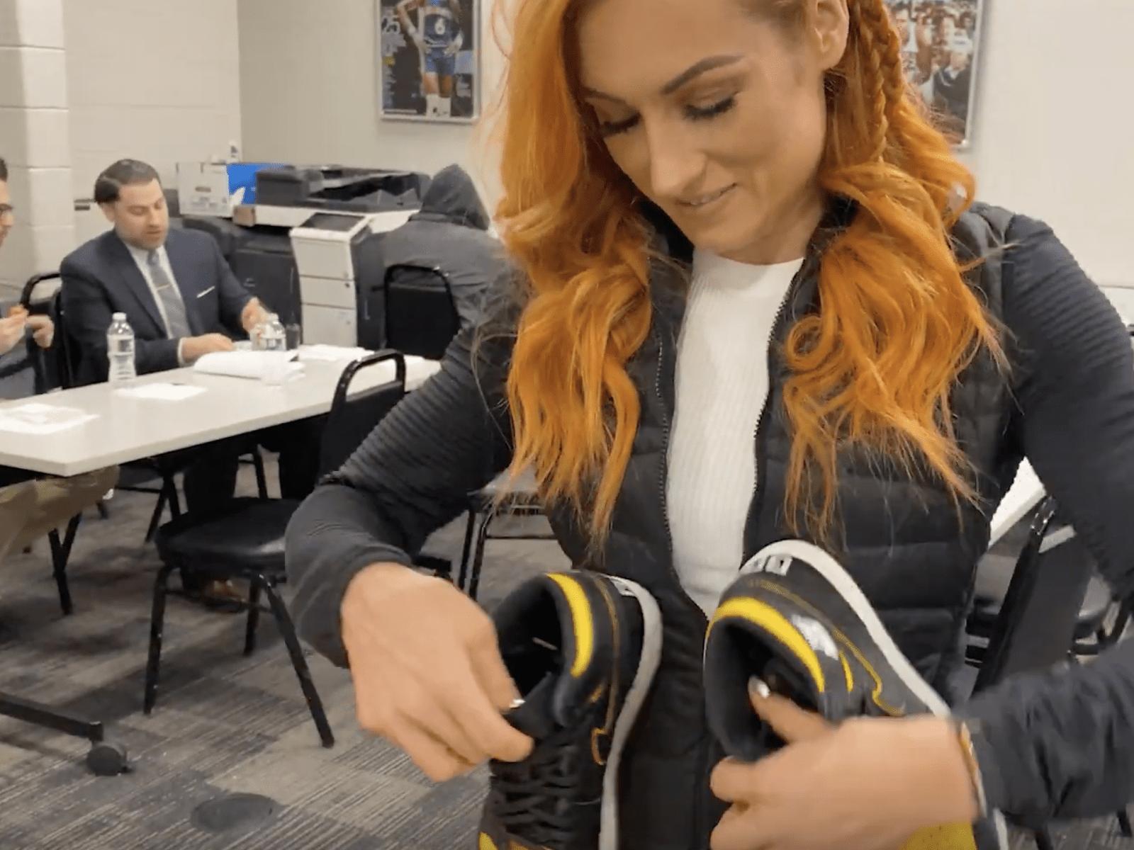 Mache Becky Lynch Video