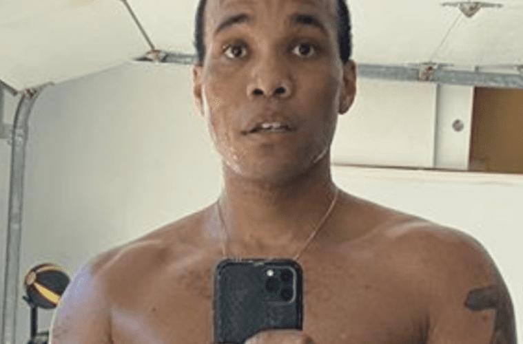 Anderson .Paak Selfie Shirtless