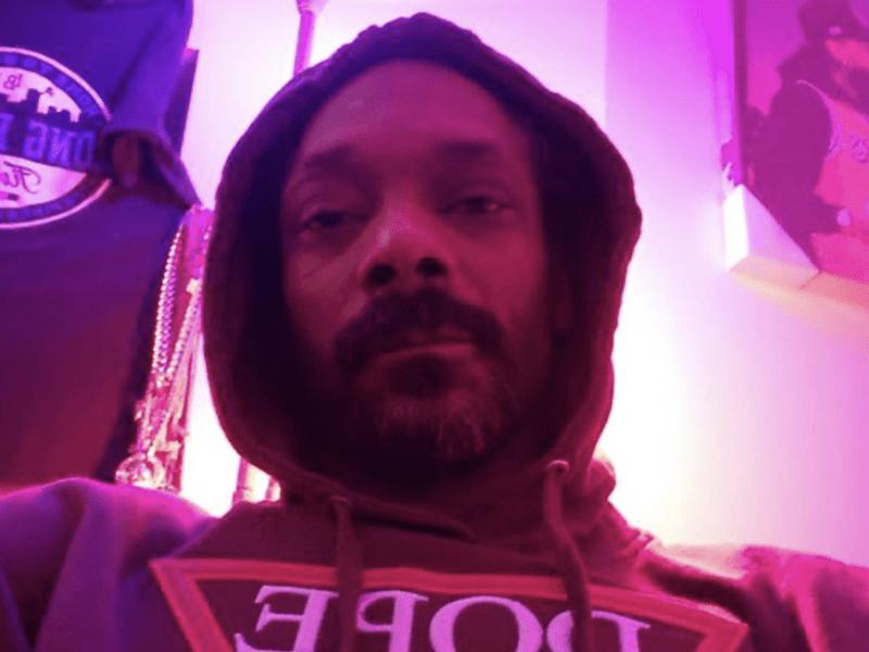 Snoop Dogg Selfie Moment Pic