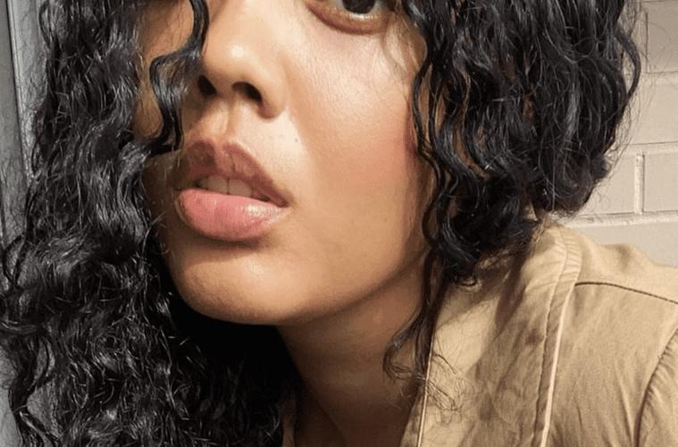 Angela Simmons Selfie Pic
