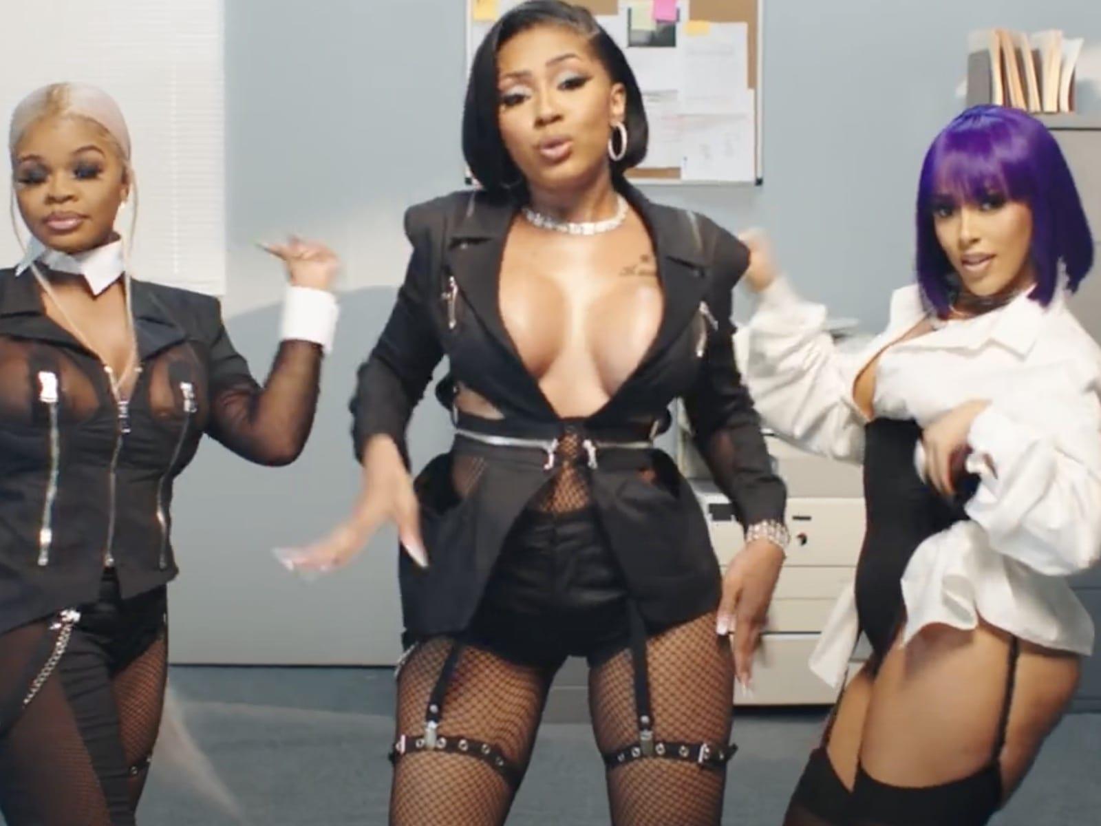 City Girls Pussy Talk JT Yung Miami Doja Cat Video 7