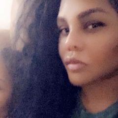 Lil' Kim Family Moments Selfie 2