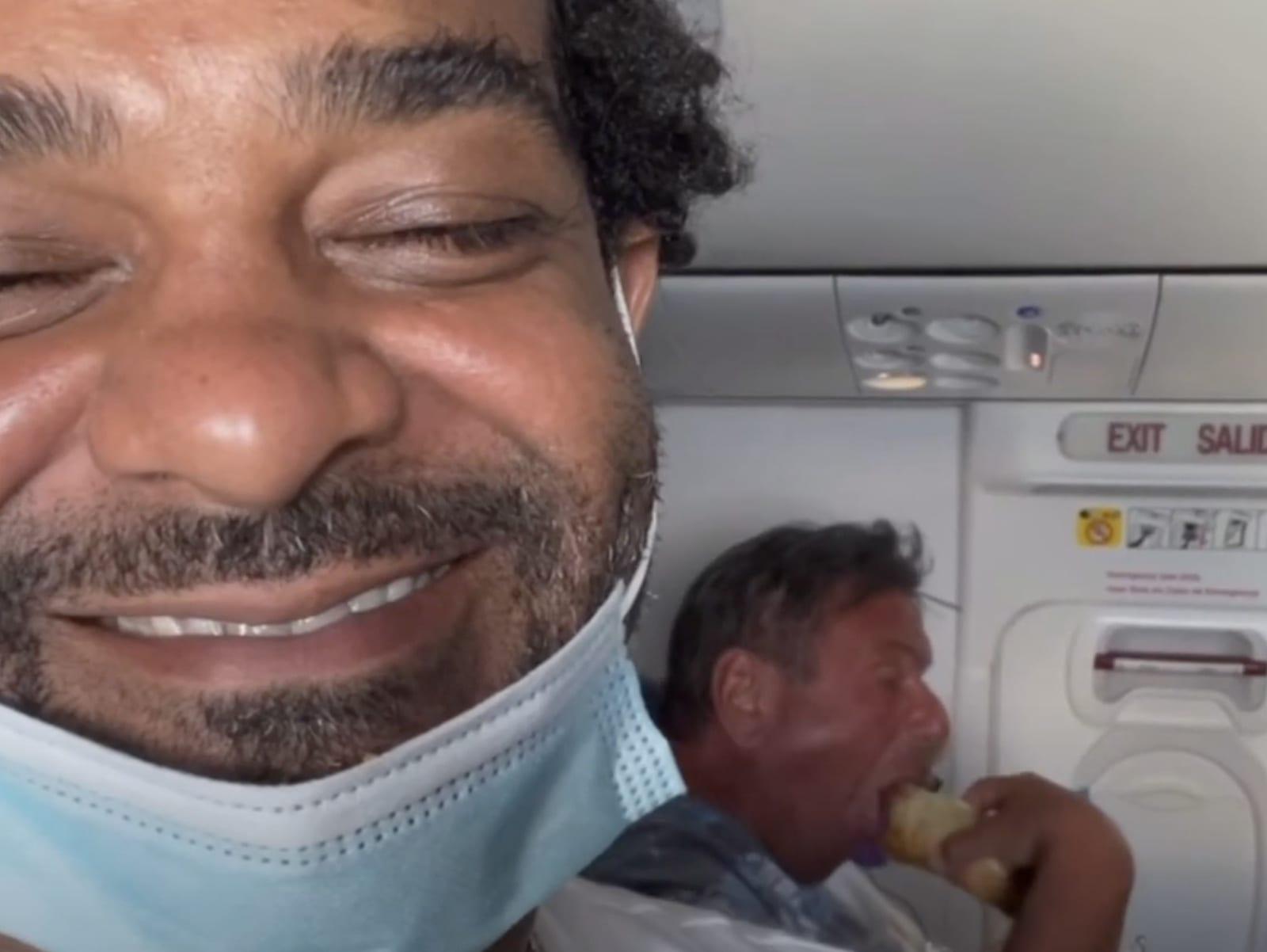 Jim Jones Exposes A Glizzy Gladiator On His Plane Flight