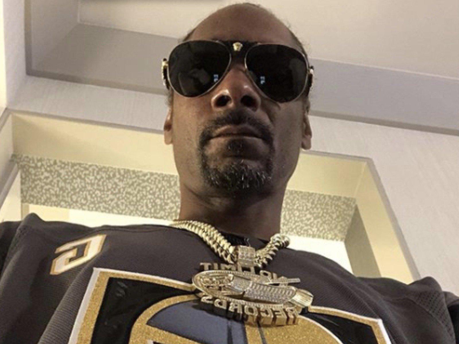 Snoop Dogg Needs Prayers For His Mom  SOHH.com